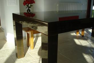 Table acier et vernis - réalisation sur mesure. pièce unique.               VENDU