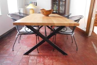 Table chêne massif et acier brossé. 220 x 100x 75 cm. Possibilité sur mesure. 2200€